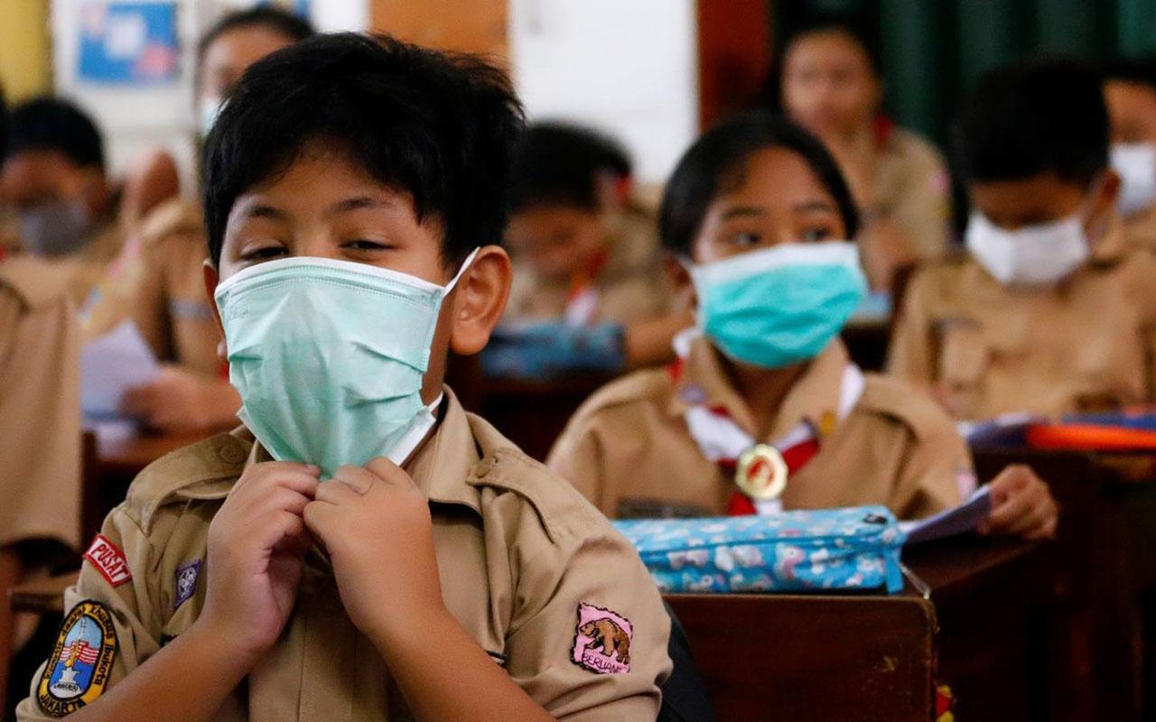 Endonezya'da okullar Koronavirüsün gölgesinde yeniden açıldı