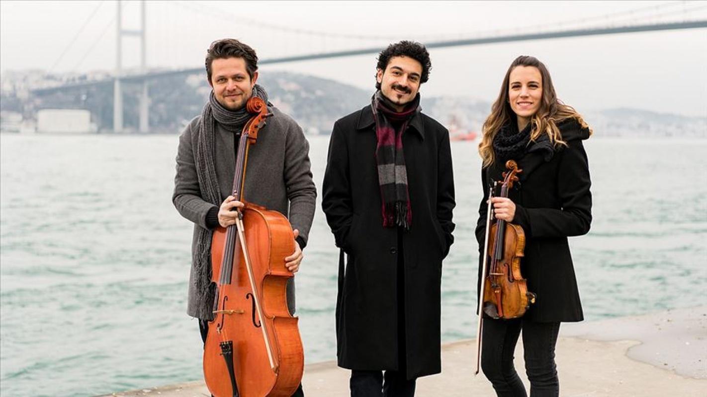 Bosphorus Trio Türk bestecileri dünyaya taşıyor