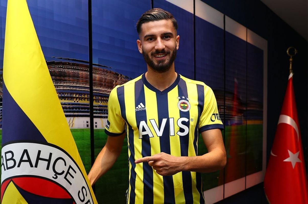 Fenerbahçe yeni transferini 'Hoş geldin Kemal Ademi' şeklinde tanıttı