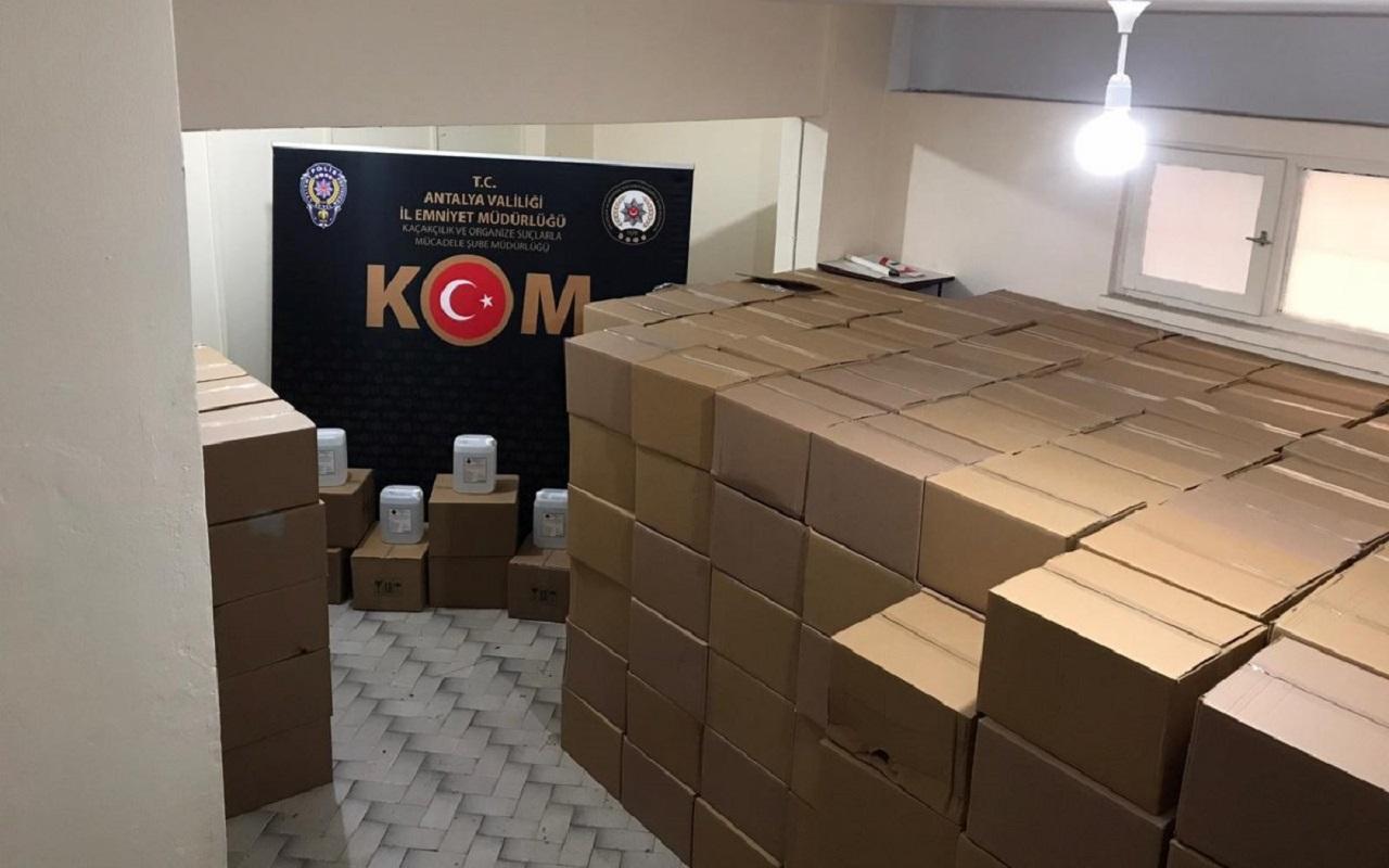 Antalya'da 15,5 ton sahte içki piyasaya sürülmeden yakalandı