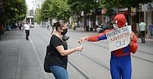 Eskişehirli Örümcek Adam'dan vatandaşa maske çağrısı!
